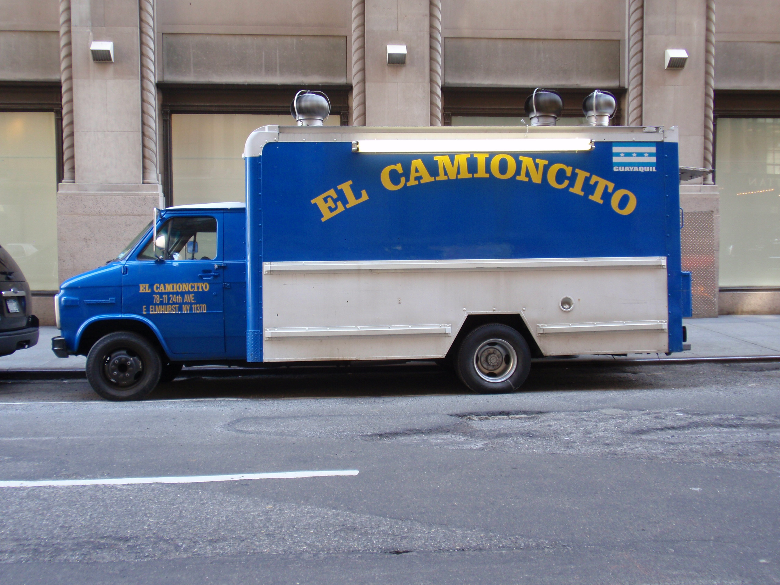 El Camioncito Taco Truck. Photo courtesy of nomnomnyc.