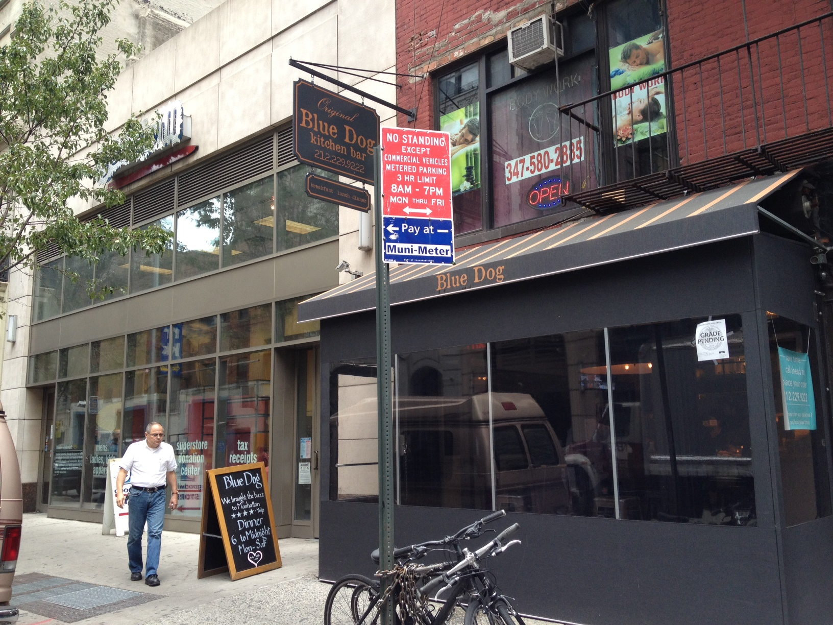 Flatiron Lunch Blue Dog Has Big Options And Flavors In A
