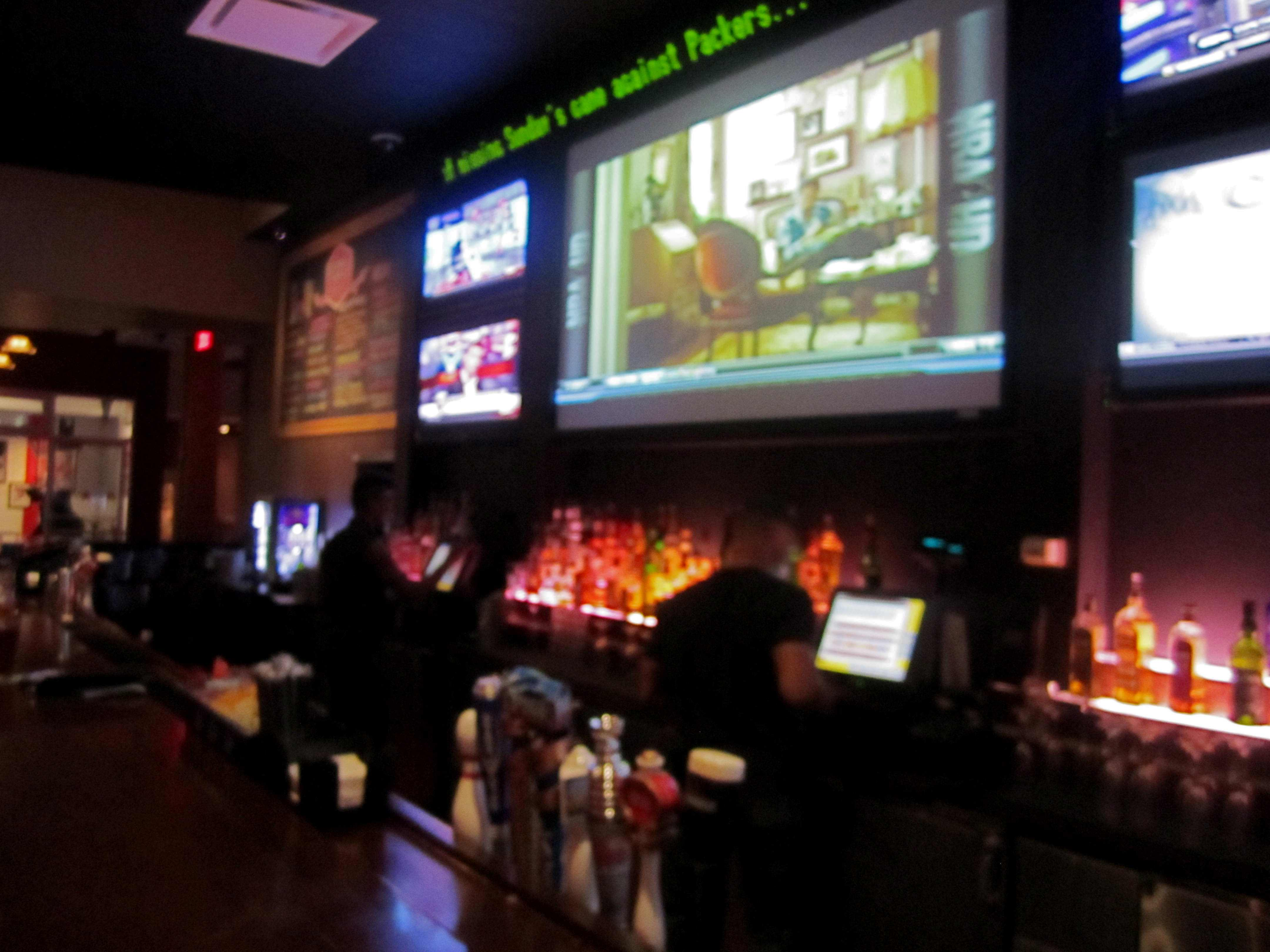 boomer esiason s stadium grill has a very good happy hour but it s
