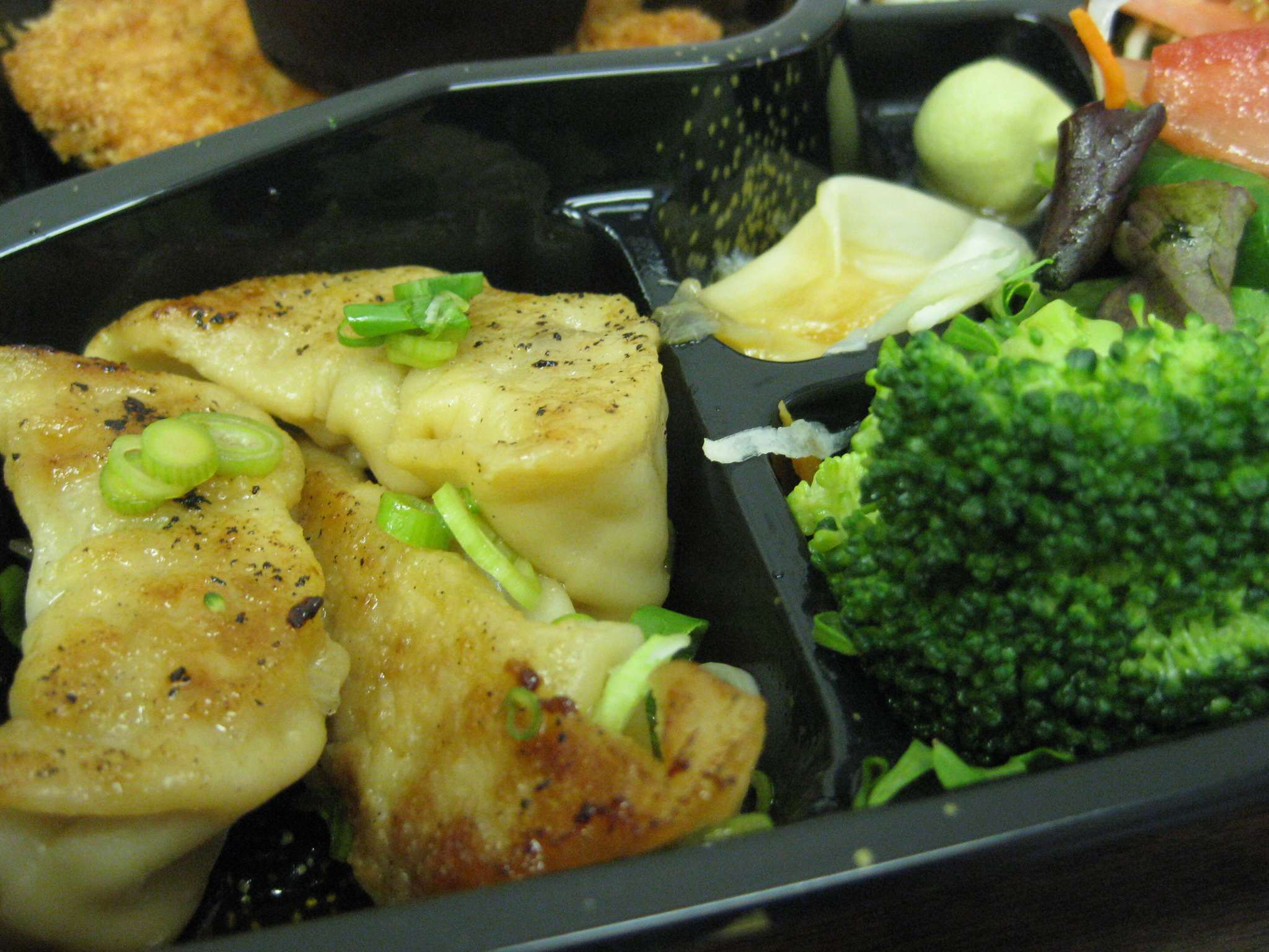 why is lunch in compartments more fun bento boxes at shiroi hana midtown lunch philadelphia. Black Bedroom Furniture Sets. Home Design Ideas