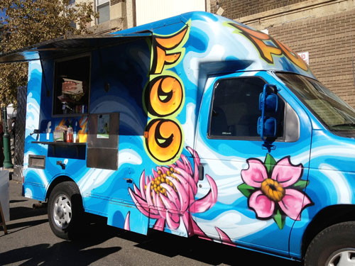 One Of The Most Attractive Food Trucks Roaming Streets Philadelphia Is Foo Truck Bright Blue Hue With Purple Flowers And Orange